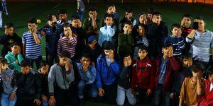 Suriyeli Türkmen çocuklardan Kerim bebeğe destek