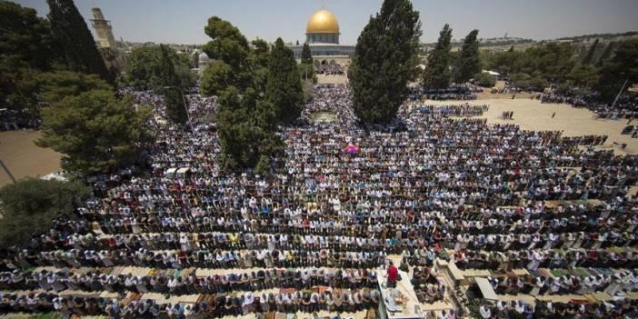 Fanatik Yahudilerin 'tehdidi' Aksa'da bayram namazı saatini değiştirdi