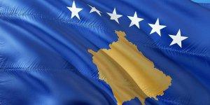Kosova'da hükümet Türk bayrağına yönelik hakareti kınadı