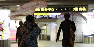 Japonya'da Trami tayfunu hayatı felç etti