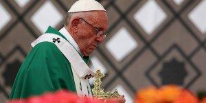 Papa Franciscus Ezher Şeyhi ile görüştü