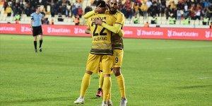 Yeni Malatyaspor deplasmanda farklı kazandı