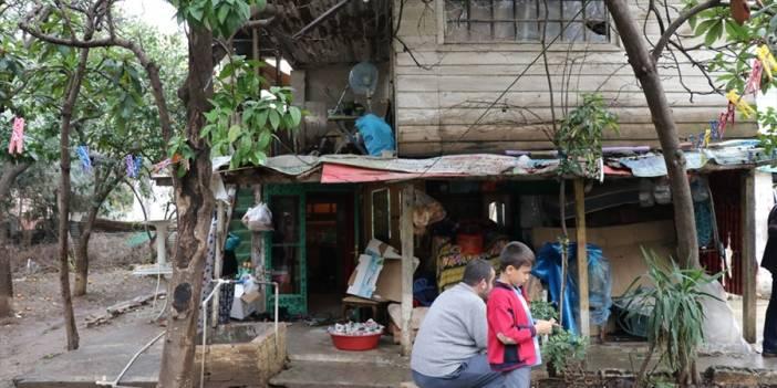 Evleri yıkılmak üzere olan aile sıcak yuvaya kavuştu
