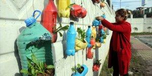 Pet şişeler gençlik merkezinde geri kazanılıyor