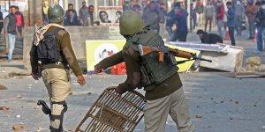 Cammu Keşmir'deki kısıtlamalar esnetilmesine rağmen sürüyor
