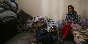 Kanser hastası felçli kadının tek odada yaşam mücadelesi