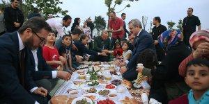 Cumhurbaşkanı Erdoğan vatandaşlarla iftar yaptı