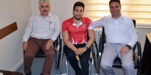 Bileği Bükülmeyen Şampiyon Sporcudan Ataşbak'a Ziyaret