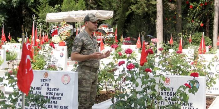 Mehmetçik silah arkadaşları için dua etti