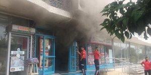 Adana'da markette yangın