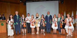 Çukurova Üniversitesi Enstitülerinde Mezuniyet Heyecanı Vardı