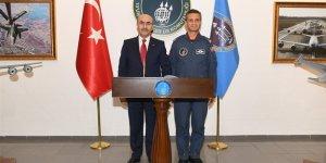 Vali Demirtaş, Hava Pilot Tuğgeneral İsmail Günaydın'ı Ziyaret Etti