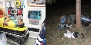 Adana'da ağaca çarpan motosikletteki iki kardeş yaralandı