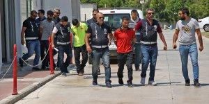 """Adana'da """"gürültü"""" kavgası: 1 ölü"""