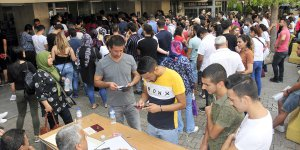 Adana Adliyesinde sınav yoğunluğu