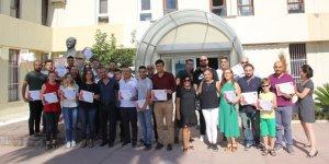 AOSB Akademi'nin İngilizce kursiyerleri sertifikalarını aldı