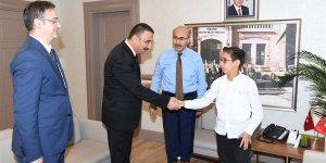 Öğrenci Culum, Gün boyu Vali Demirtaş'ın gerçekleştirdiği programlara eşlik etti..