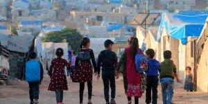 İdlib'de yeni eğitim yılı göç ve saldırıların gölgesinde başladı