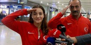 Milli boksör Çakıroğlu'ndan asker selamı