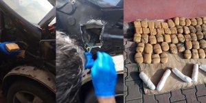 Adana'da otomobillerinde uyuşturucu bulunan çiftten biri tutuklandı