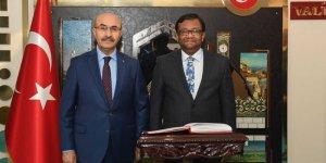 Bangladeş'in Ankara Büyükelçisi Sıddıki'den Adana Valisi Demirtaş'a ziyaret