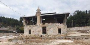 Vakıflar Bölge Müdürlüğünden 'tarihi camiye metal çatı' iddialarına açıklama
