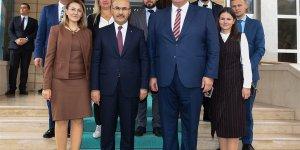 Ukrayna Ankara Büyükelçisi Andrii Sybıha, Vali Demirtaş'ı Ziyaret Etti