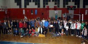 Dörtyol'da kurumlar arası voleybol turnuvası