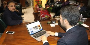 """AK Parti İl Başkanı Mehmet Ay, AA'nın """"Yılın Fotoğrafları"""" oylamasına katıldı"""