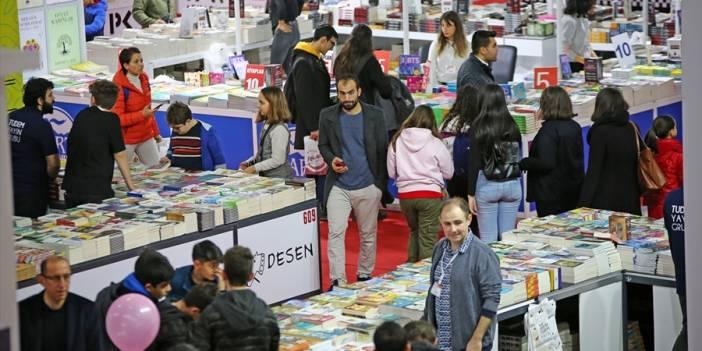 Bağımsız yayıncılar bir yılda 423 milyon kitap üretti