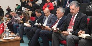Vali Demirtaş Tribünlerde Okuma Etkinliğine Katıldı