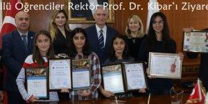 Ödüllü Devlet Konservatuvarı Öğrencileri Rektör Prof. Dr. Kibar'ı Ziyaret Etti