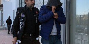 Adana'da çoraplarından sentetik uyuşturucu çıkan zanlı tutuklandı