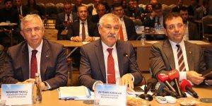 CHP'li büyükşehir belediye başkanlarının Adana toplantısı sona erdi