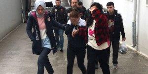 Adana'da uyuşturucu operasyonunda yakalanan 7 zanlıdan 3'ü tutuklandı