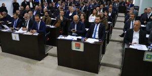 """Adana Büyükşehir Belediye Meclisinde """"ihale"""" tartışması"""