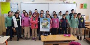 TÜGVA'nın Kitap Kurdu Yarışması Adana'da tanıtıldı