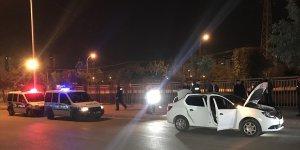 Adana'da polisten kaçan şüpheliler kovalamaca sonucu yakalandı