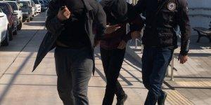 Adana'da uyuşturucu operasyonunda yakalanan 3 şüpheli tutuklandı