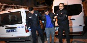 Adana'da çalışır durumda bırakılan otomobili çalan şüpheli kaza yapınca yakalandı
