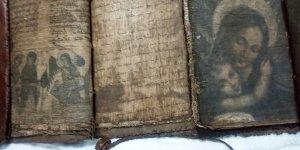 Adana'da tarihi eser operasyonunda el yazması 3 dini kitap ele geçirildi