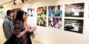 Ressam Gül Saracoğlu fotoğraf sergisi açtı