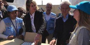 ABD heyeti yerinden edilen Suriyelilere insani yardımları inceliyor