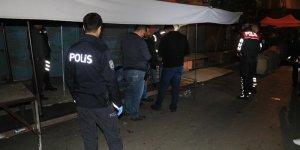 Adana'da pazar yerinde silahlı bıçaklı kavga: 1 ölü, 2 yaralı
