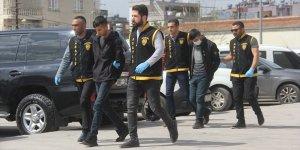 Adana'da otel görevlisini gasbeden iki zanlı tutuklandı