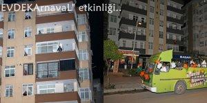 """Adana'da """"EVDEKArnavaL"""" etkinliği"""