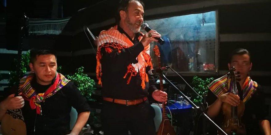Geleneksel Oğuz Otağı Sahur Programında Sultanbekov'dan Dombra Şarkısı..