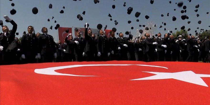 Binlerce polis mezun oldu