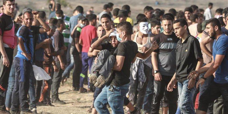 İsrail askerleri Gazze sınırında 50 Filistinliyi yaraladı
