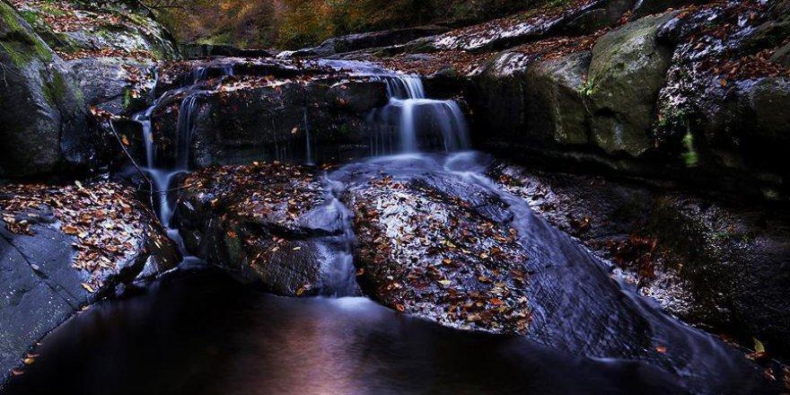 Kabaceviz Şelaleleri'nde sonbahar renklerinin görsel şöleni